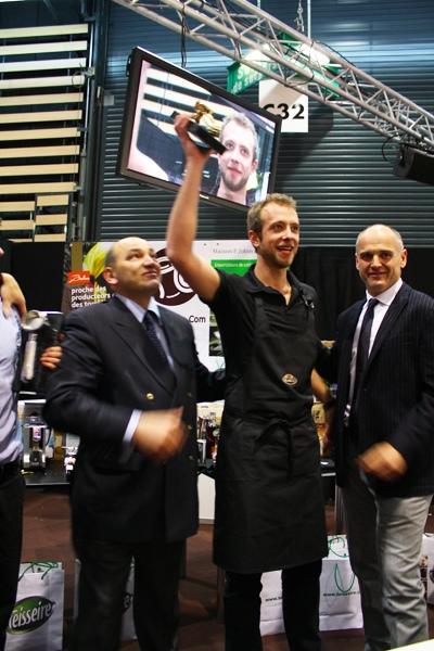 Ludovic entouré de Patrick Mas 'The famous' et Carlo Ciamarra (Team Nuova Simonelli)