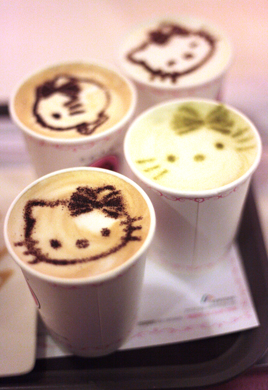 hello-kitty-cafe-korea-maxicoffee-3