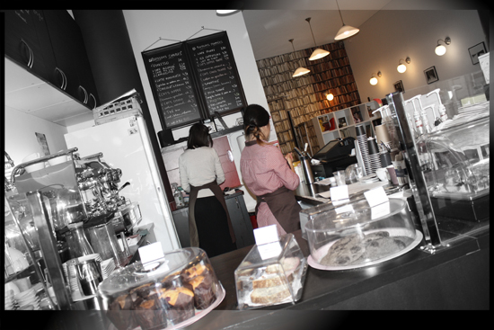 cat-cafe-paris-coffeeshop-5