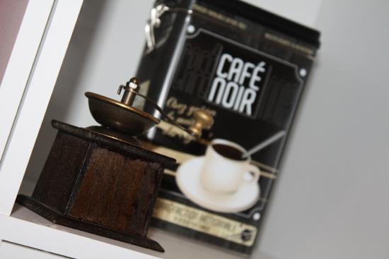cat-cafe-paris-coffeeshop-7