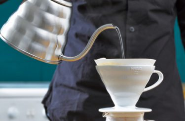 What is the difference between a Chemex and a conical coffee dripper?