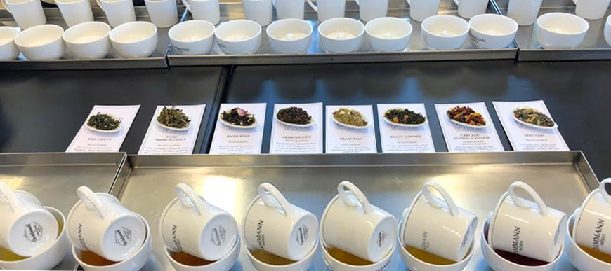 Dammann Frères tea tasting session in progress