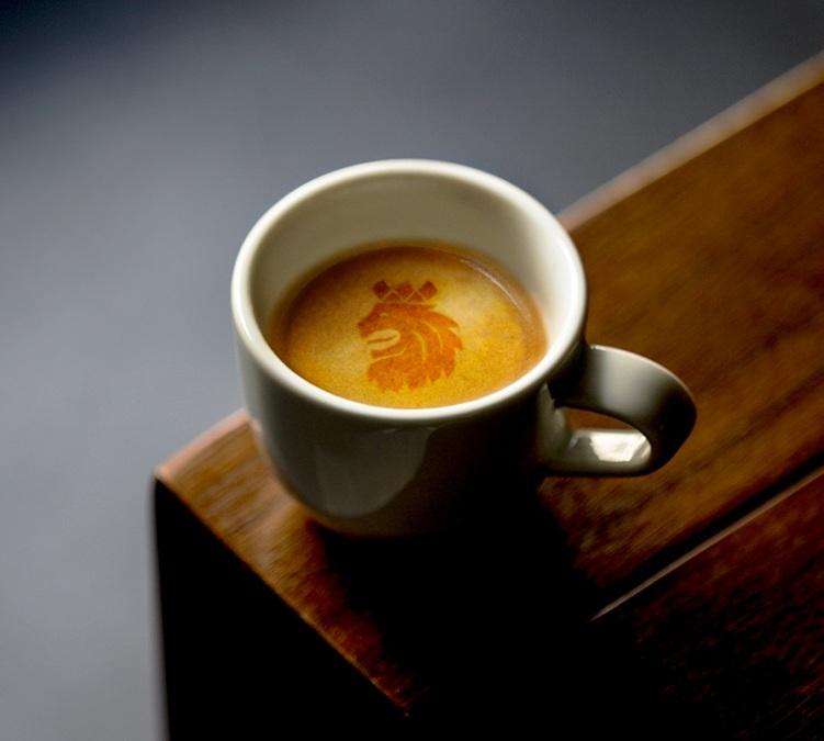 2x1kg caf en grains caf royal. Black Bedroom Furniture Sets. Home Design Ideas