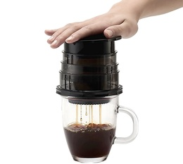Cafflano Kompact portable coffee maker in black