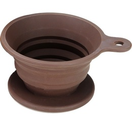 Tiamo flat-bottomed coffee dripper in brown silicone - 2 cups